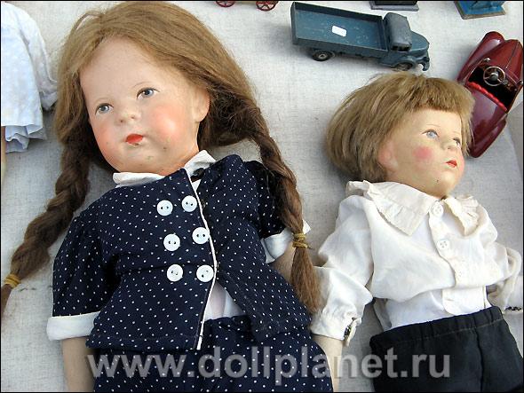 Антикварные куклы Кэти Крузе на блошином рынке в Нойштадт-Кобурге, Германия