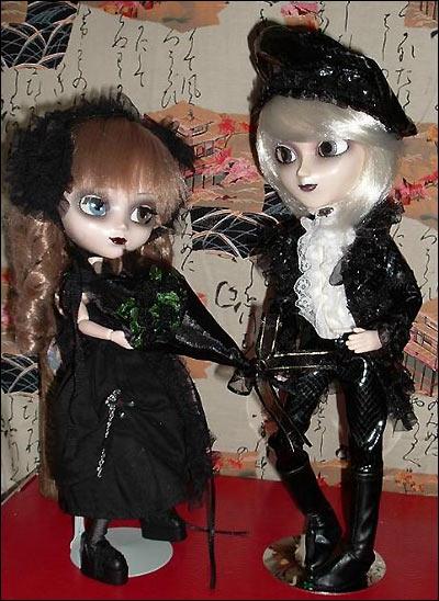 Namu Serpent и его возлюбленная Pullip Noir - куклы в готическом стиле. Куклы и фото - из коллекции Valerie (Val's World)