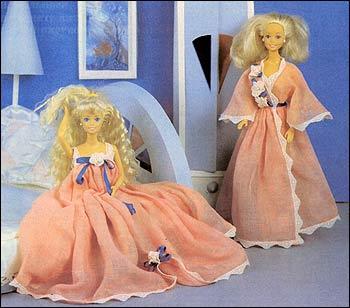 И ночной комплект для кукол барби