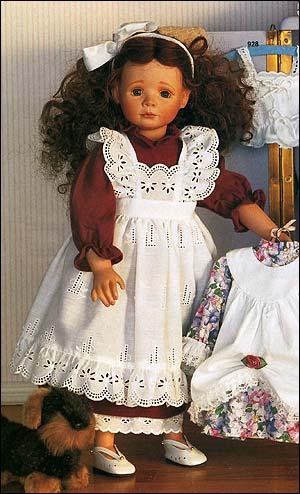 Одежда куклы - платье, фартук, нижняя юбка