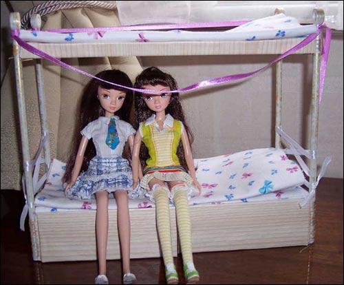 Как своими руками сделать двухъярусную кровать своими руками для кукол