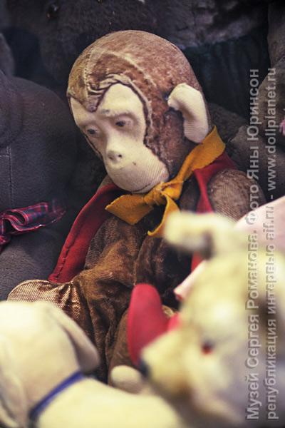 Музей игрушки Сергея Романова. Советская игрушка обезьяна