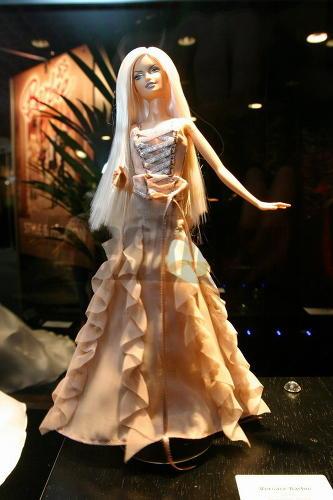 http://www.dollplanet.ru/images/vystavki/barbie_0157.jpg